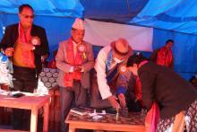 पुर्व रास्ट्रिय सभा सदस्य इटोललामा बत्ति बालेर कार्यक्रमको उद्दघाटन गर्नुहुँदै |